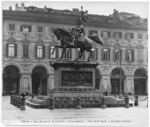 Carlo Marocchetti, Monumento ad Emanuele Filiberto, 1838. Fotografia di Giancarlo Dall'Armi. © Archivio Storico della Città di Torino