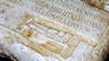 Lastra del monumento funebre di L. Tettienus Vitalis dalla Galleria di Carlo Emanuele (5). Museo di Antichità. Fotografia di Plinio Martelli, 2010. © Soprintendenza per i Beni Archeologici del Piemonte e del Museo Antichità Egizie.