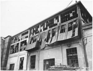 Via Francesco Cigna 115. Stabilimento FIAT, Sezione Ind. Metallurgiche (SIMA). Effetti prodotti dai bombardamenti dell'incursione aerea del 29-30 novembre 1942. UPA 2456_9C03-16. © Archivio Storico della Città di Torino