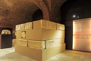 Museo di Antichità. Ricostruzione di monumento funerario romano. Fotografia di Giacomo Lovera, 2013. © Soprintendenza per i Beni Archeologici del Piemontee del Museo Antichità Egizie