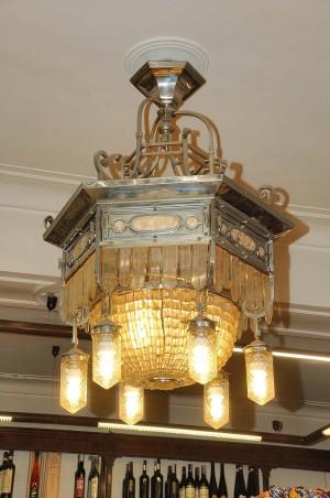 Paissa, lampadario, Fotografia di Marco Corongi, 2001 ©Politecnico di Torino