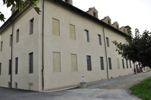 Particolara della facciata nord della cascina Marchesa. Fotografia di Ilenia Zappavigna, 2012.