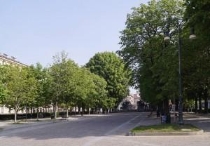 Piazza ristrutturata, dopo lo smantellamento del padiglione Atrium (tra 2010 e 2013). Fotografia di Luca Davico, 2017
