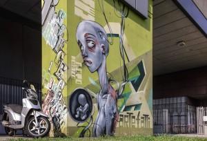 Artisti vari, murales sui piloni della manica del Politecnico, 2009.