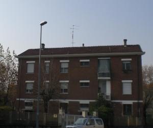 Veduta di una delle costruzioni. Fotografia di Maria D'Amuri, 2011