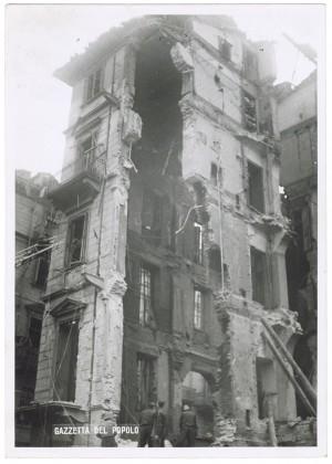 Via Ottavio Assarotti. Effetti prodotti dai bombardamenti dell'incursione aerea dell'8-9 dicembre 1942. UPA 3013D_9D02-26. © Archivio Storico della Città di Torino
