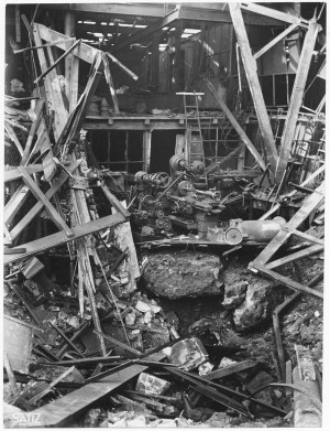 Edificio industriale non identificato, (Stabilimento FIAT, Corso Francesco Ferrucci, 122?). Effetti prodotti dell'incursione aerea dell'8-9 dicembre 1942. UPA 2861_9D02-15. © Archivio Storico della Città di Torino