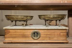 Regia Farmacia Masino, bilancia, 2016 © Archivio Storico della Città di Torino