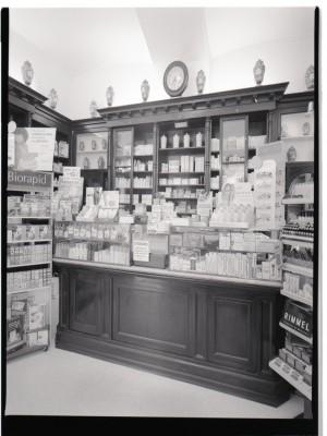 Farmacia della Rocca, interno, 1998 © Regione Piemonte