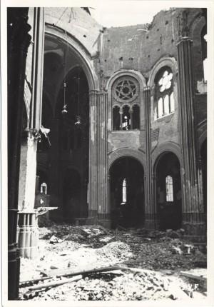 Chiesa Sacro Cuore di Maria, Via Federico Campana 8, Via Oddino Morgari (già Pallamaglio). Effetti prodotti dai bombardamenti dell'incursione aerea del 12-13 agosto 1943. UPA 3920_9E03-26. © Archivio Storico della Città di Torino
