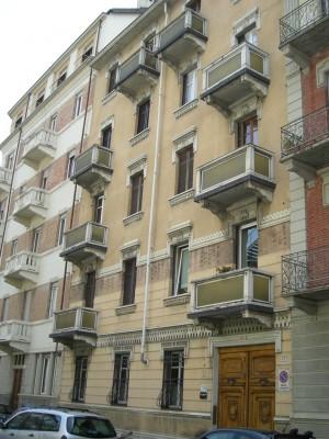Edificio civile abitazione in via Cassini, 47