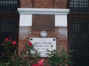 Lapide dedicata a Vicini Adelmo (1910 - 1944)