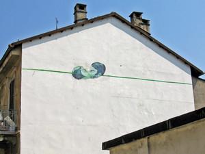Andrea Massaioli, Senza titolo, 2000, opera murale per il MAU Museo Arte Urbana, via Locana 15. Fotografia di Alessandro Vivanti, 2011.