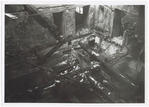 Piazza San Carlo Effetti prodotti dai bombardamenti dell'incursione aerea del 20-21 novembre 1942. UPA 1827_9B01-49. © Archivio Storico della Città di Torino