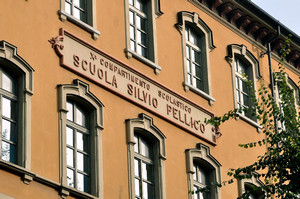 Scuola elementare Silvio Pellico, targa. Fotografia di Mauro Raffini, 2010. © MuseoTorino