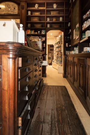 Regia Farmacia Masino, particolare dell'interno, 2016 © Archivio Storico della Città di Torino