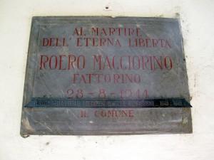 Lapide dedicata a Roero Maggiorino (1917 - 1944)