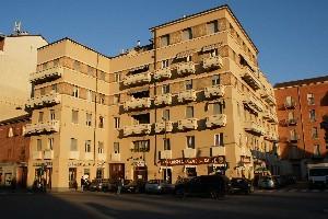 Casa di abitazione piazza Crispi 58-60