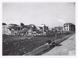 Via Pietro Cossa. Effetti prodotti dai bombardamenti dell'incursione aerea del 4-5 febbraio 1943: crollo di edifici. UPA 3411D_9D06-15. © Archivio Storico della Città di Torino/Archivio Storico Vigili del Fuoco