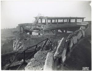 FIAT Lingotto Via Nizza. Effetti prodotti dai bombardamenti dell'incursione aerea dell'8-9 dicembre 1942. UPA 2842_9D02-01. © Archivio Storico della Città di Torino