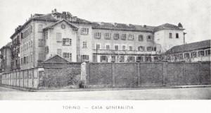 Casa Madre e Generalizia Congregazione Suore del Santo Natale con la nuova scala a levante, post 1909. Fotografia Archivio Congregazione Suore del Santo Natale.
