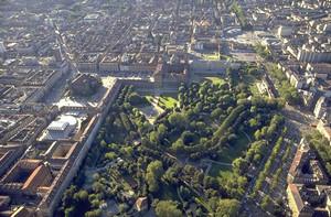Un'antica scarpata fluviale modellata dal fiume Dora Riparia presso i Giardini Reali