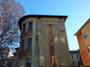 Scuola elementare Santorre di Santarosa, lato verso via Chiomonte. Fotografia di Paola Boccalatte, 2014. © MuseoTorino