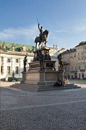 Carlo Marocchetti, Monumento a Carlo Alberto (veduta), 1856-1860. Fotografia di Mattia Boero, 2010. © MuseoTorino.