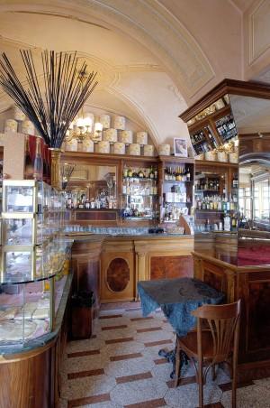 Caffè Vittorio Veneto, particolare dell'interno, Fotografia di Marco Corongi, 2005 ©Politecnico di Torino