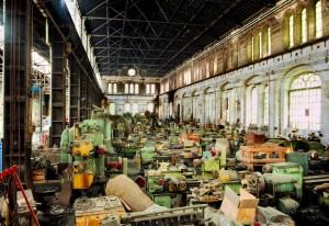 OGR. Locali della Caldareria utilizzati come deposito prima della chiusura delle Officine, 1992. Fotografia Pier Paolo Viola. © Museo Ferroviario Piemontese per MuseoTorino