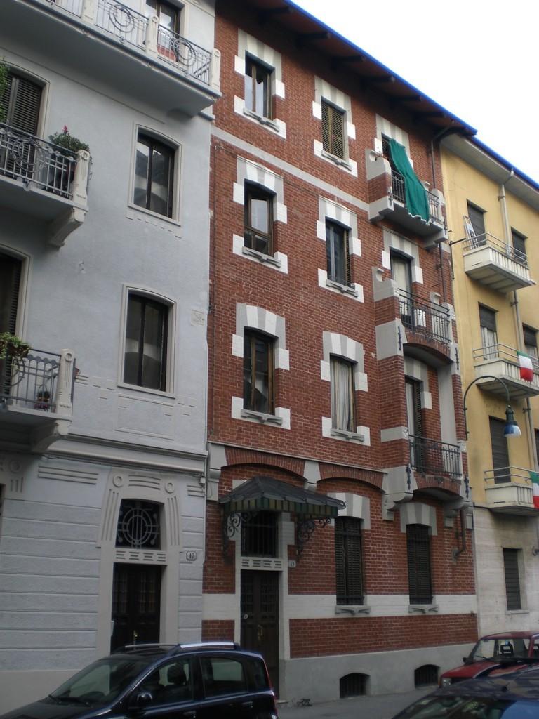 Veduta da via polonghera delle case della societ for Immagini abitazioni