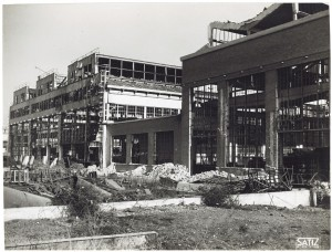 FIAT Autocentro - Stabilimento di Mirafiori. Effetti prodotti dal bombardamento dell'incursione aerea del 20-21 novembre 1942. UPA 2202_9B06-39. © Archivio Storico della Città di Torino