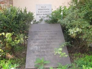 Lapide ai caduti della Barriera di Milano