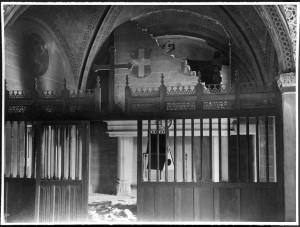 Borgo medievale, cappella della Rocca, effetti dei bombardamenti. Fondazione Torino Musei, Archivio fotografico. © Fondazione Torino Musei