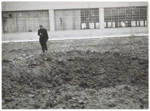 Corso Giovanni Agnelli. Fiat Mirafiori. Effetti prodotti dai bombardamenti del 4-5 dicembre 1940. UPA 0931D_9A01-56. © Archivio Storico della Città di Torino
