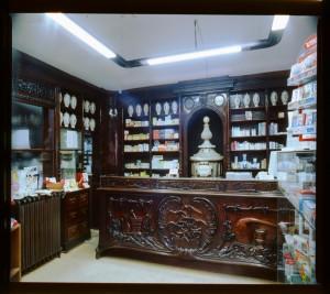 Farmacia Anglesio, interno, 1998 © Regione Piemonte