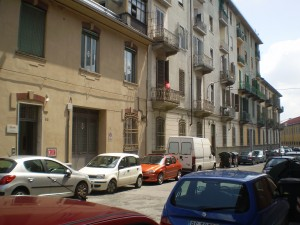 Il fronte su via Cervino. Fotografia Giuseppe Beraudo, 2011