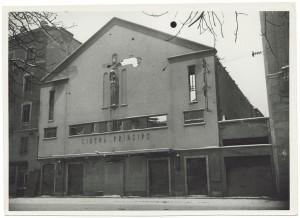 Via Principi d'Acaia 43, Cinema Principe. Danni prodotti dai bombardamenti dell'incursione aerea del 18-19 novembre 1942. UPA 1541D_9A05-28. © Archivio Storico della Città di Torino