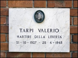 Lapide dedicata a Valerio Alfredo Tarpi (1927 - 1945)