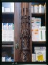 Farmacia degli Stemmi, già Alleanza Cooperativa Torinese N. 7, intaglio della scaffalatura, 1998 © Regione Piemonte