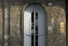 Portone d'ingresso di Casa Verona. Fotografia di Bruna Biamino, 2010. © MuseoTorino.
