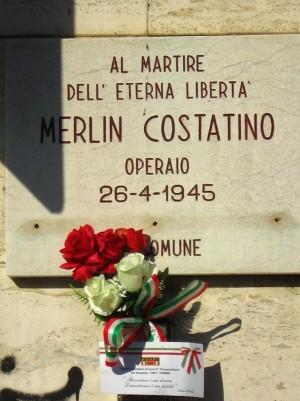 Lapide dedicata a Costantino Merlin, in via Giachino 36. Fotografia di Alessandro Vivanti, 2018