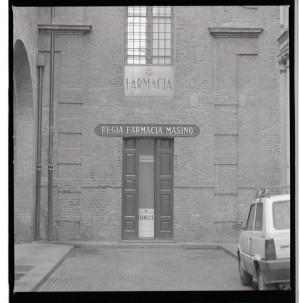 Regia farmacia Masino, ingresso cortile, 1998 © Regione Piemonte