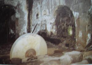 Nella vecchia gloriosa fabbrica di lime Laurenti una testimonianza della passata attività, in Ada Peyrot,  1988, p. 346.