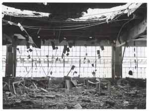 s.l. [Fiat Lingotto?]. Edificio industriale non identificato. Effetti prodotti dai bombardamenti del 6 settembre 1940. UPA 0421D_9A01-09. © Archivio Storico della Città di Torino