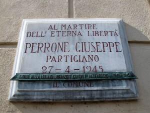 Lapide dedicata a Giuseppe Perrone (1925 - 1945)