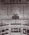 Torino, Palazzo Madama, aula del Senato, vista del lato est con la lapide, 1902-1910. © Soprintendenza per i Beni Architettonici e Paesaggistici per le province di Torino, Asti, Cuneo, Biella, Vercelli.