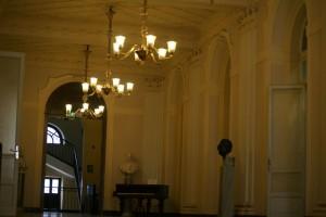 Interno del primo piano del Conservatorio Giuseppe Verdi. Fotografia di Edoardo Vigo, 2012