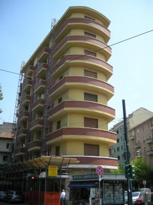 Edificio di civile abitazione e negozio in corso Duca degli Abruzzi 91