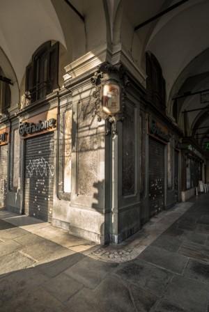 Chiusura del Caffè Negrita, esterno, 2017 © Archivio Storico della Città di Torino